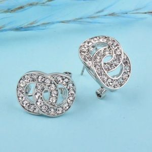 Jewelry - Interlocking Circle Knot Stud Clip-on Earrings